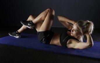 Faire du sport à la maison, en extérieur ou en salle ? Avantages et inconvénients