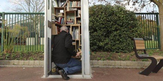 cabines téléphoniques transformées en lieux de livre échange