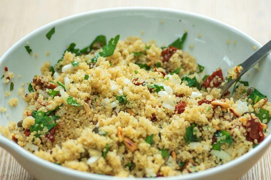 Quinoa aux légumes d'été facile à préparer