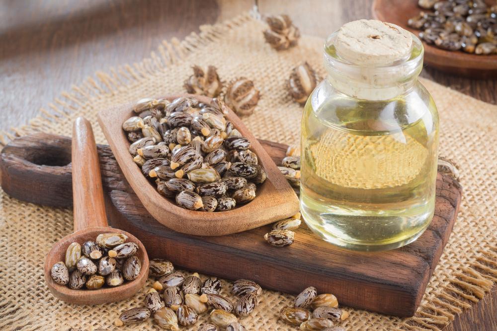 Huile de ricin, cosmétique naturel et végétal pour les ongles et les cheveux