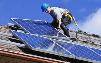 Comment installer un panneau solaire sur un toit ?