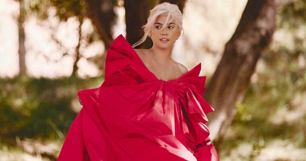 Lady Gaga mannequin et chanteuse de la pub Voce Viva Valentino 2020