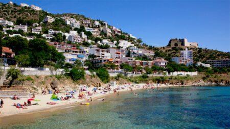 baie de Rosas sur la Costa Brava en Espagne