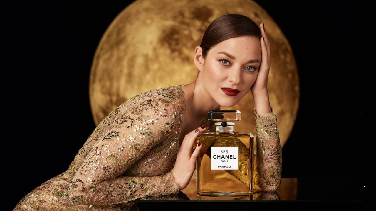 Pub Chanel N°5 2021 : Marion Cotillard danseuse et ...