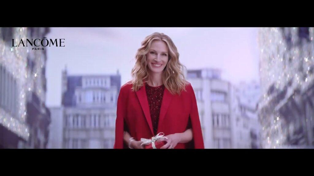 Lancôme célèbre Noël avec Julia Roberts