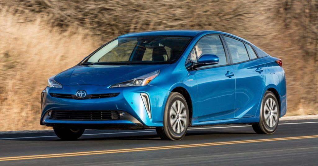 Numéro 2 des hybrides qui consomment le moins Toyota Prius 2021