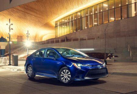 Numéro 3 des voitures hybrides qui consomment le moins Toyota Corolla hybride