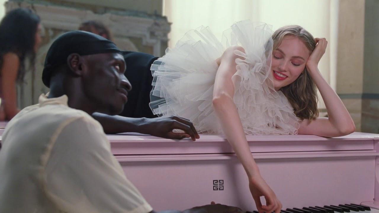 Mannequin et musique de la pub Irresistible Givenchy 2021