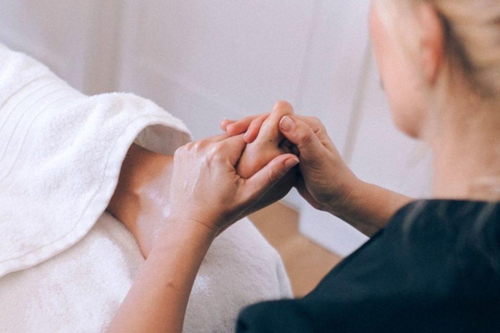 Réflexologie, massage des pieds