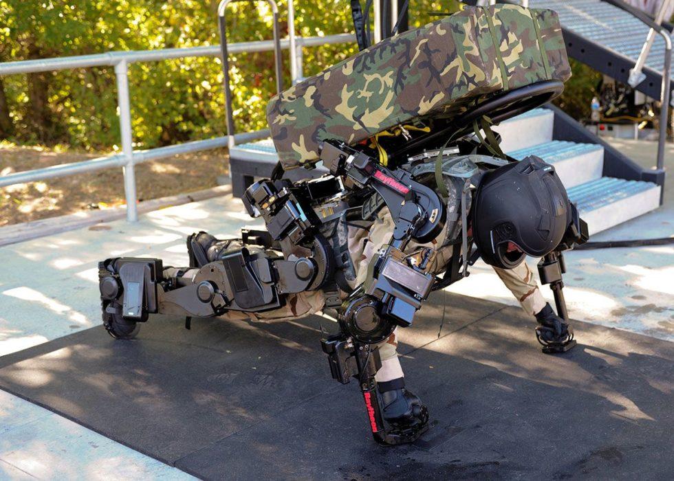 Les militaires équipés d'exosquelette ont une force surhumaine
