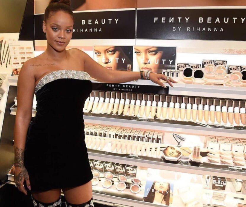 Rihanna présente les produits-cosmétiques Fenty Beauty