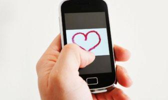 5 jeux pour séduire par sms