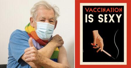 Ian McKellen, acteur britannique, après avoir inoculé son vaccin, à côté d'une pancarte signifiant que la vaccination était sexy.