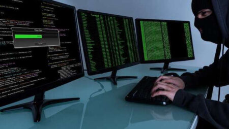 Pirate informatique malware Crackonosh
