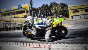 débuter la compétition moto