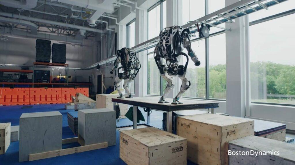Des robots Atlas en pleine action