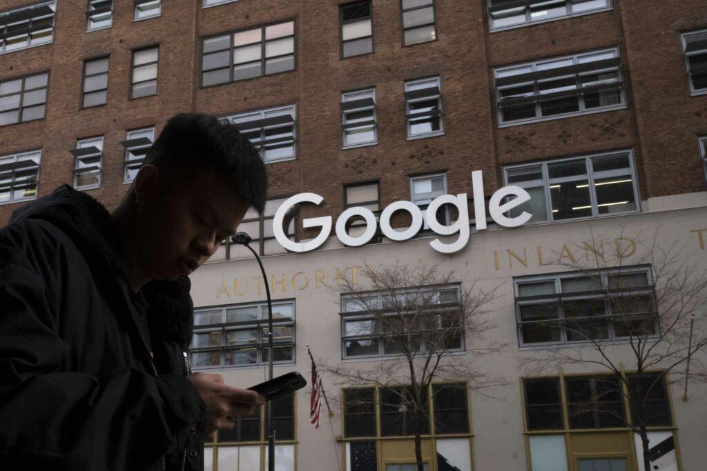 Au devant des bureaux Google