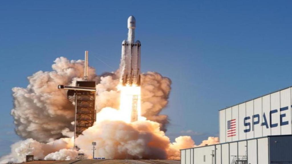 Fusée de SpaceX en lancement