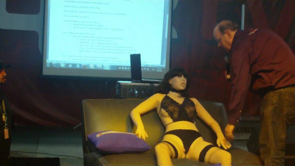 Roxxy, l'un des premiers robots sexuels aux personnalités variées.