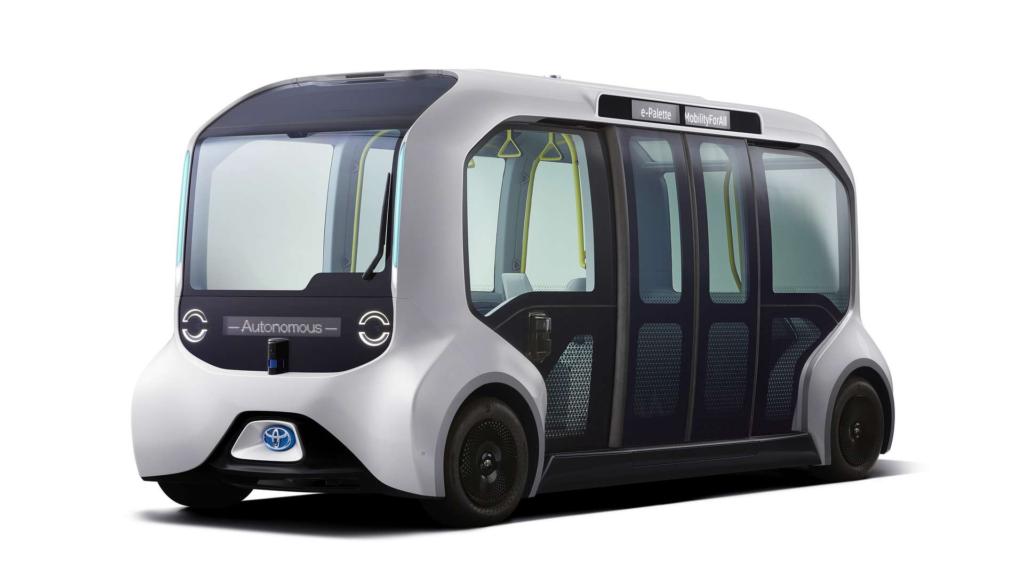 Véhicule autonome Toyota en image.