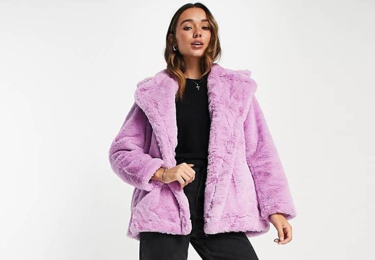 Manteau de fausse fourrure Buona couleur Lilas de la marque French Connection