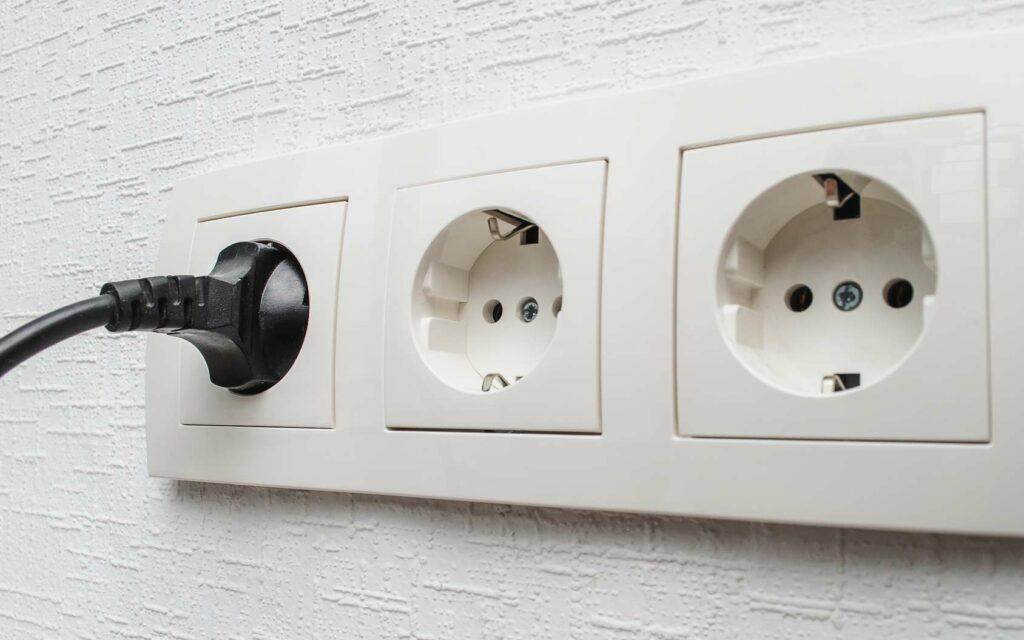 Prise domestique pour recharger sa voiture électrique à domicile