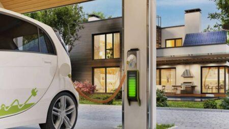 borne et prise pour recharger une voiture électrique à domicile