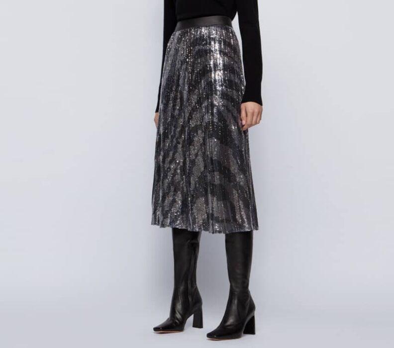 Jupe mi-longue en tissu plissé à imprimé zèbre et à sequins de chez Hugo Boss