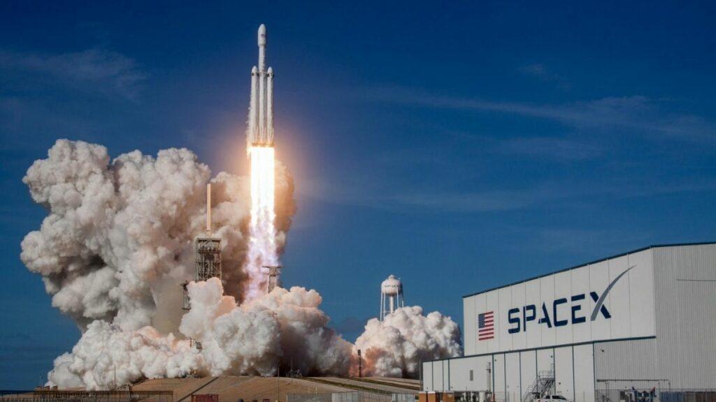 SpaceX veut  envoyer une usine en orbite en 2023